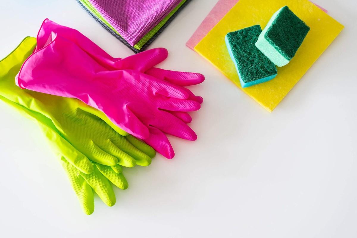 rękawiczki, ścierki i gąbki